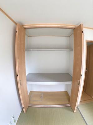 1階和室の収納です♪ お布団など収納しても余裕がありそうですね♪