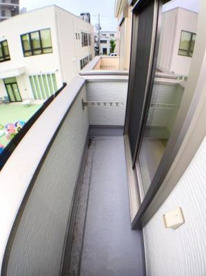 2階バルコニーの写真です♪