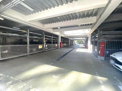 ラグナタワーの駐車場です。