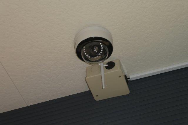 廊下防犯カメラ