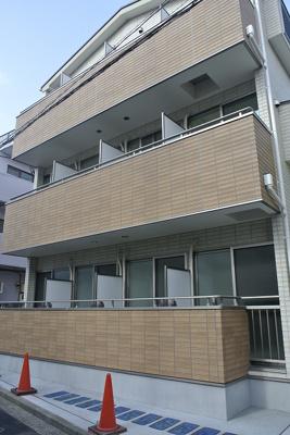 白楽駅徒歩1分の築浅アパートです