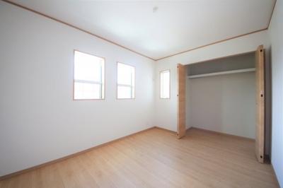 45号棟 2F中部屋洋室 収納スペース◎