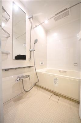 【浴室】クリスタルグランツ北堀江