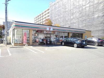 セブンイレブン博多吉塚4丁目店まで120m