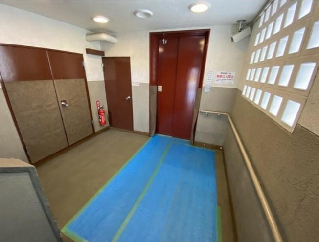 建物の内部~エレベーター完備