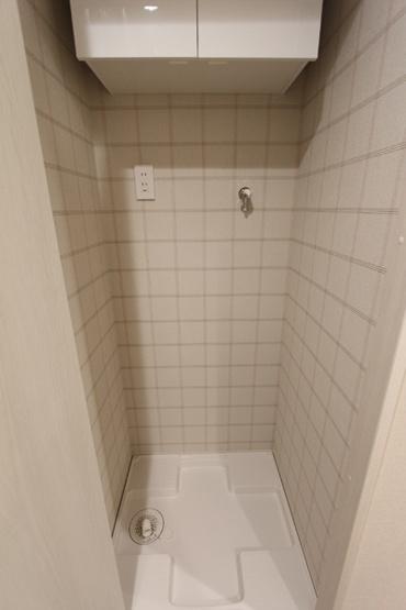 洗濯機置き場は目隠し扉があります!