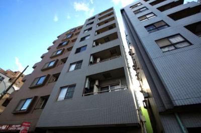 京急空港線「糀谷駅」徒歩6分の駅近マンションです。