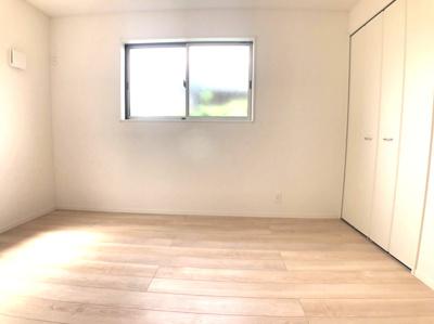 【洋室】大東市御供田5丁目 8号棟 新築戸建
