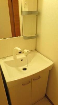 女性に嬉しい独立洗面台完備!
