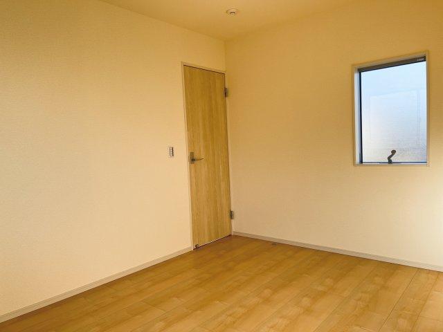 【同仕様施工例】2階 各居室シンプルな洋室で使いやすいです。家具のレイアウトも楽しみです。