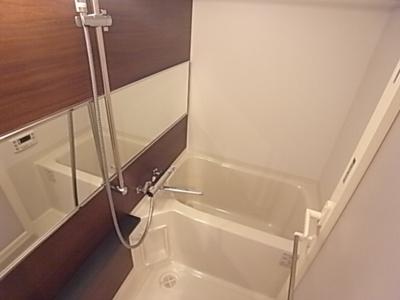 【浴室】アソシアグロッツォ博多プレイス