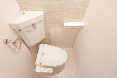 温水洗浄便座付きトイレは新調していますので、引っ越した日から気持ち良くご利用いただけます◎