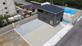 開発分譲地内にある敷地面積293.04平米の新築住宅