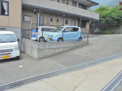 【駐車場】ミレニアムハイム2号館
