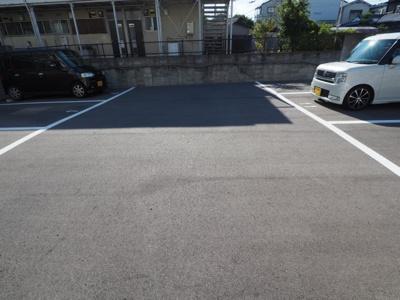 【駐車場】マンション東岡 (株)Roots