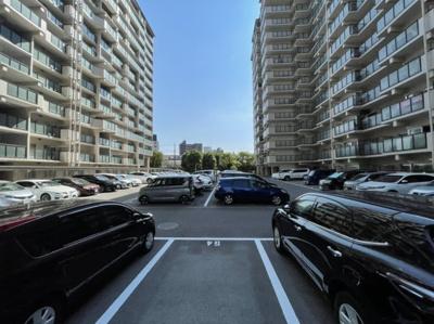 平面駐車場ございます。
