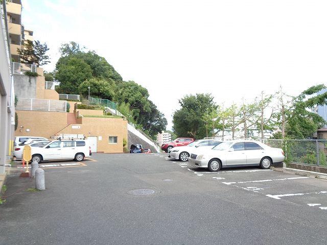 【駐車場】ダイアパレス植物園南 参番館