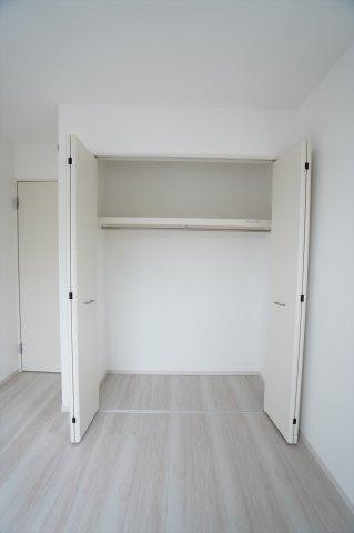 【同仕様施工例】2階 シンプルで使い勝手のよいクローゼットです。