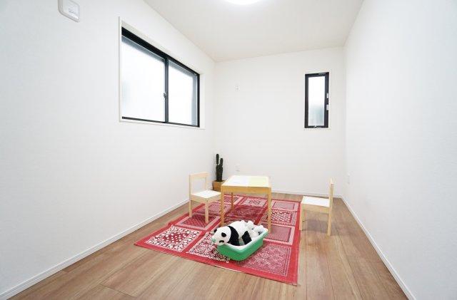 2階5帖の洋室(納戸表記)