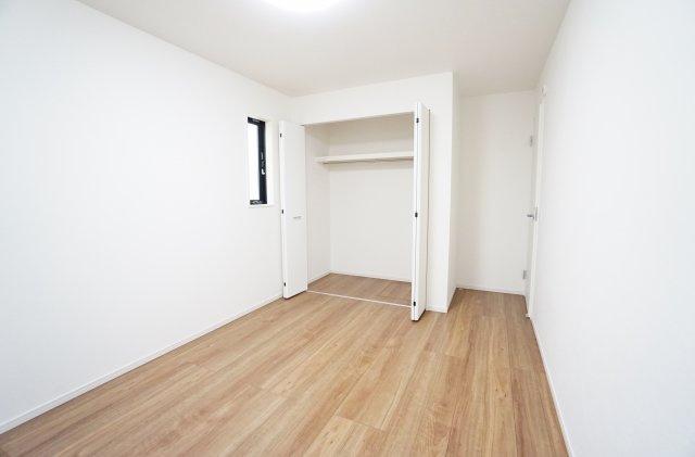 2階6.5帖の洋室(納戸表記)