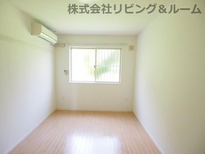 【寝室】シンフォニーヒルズ