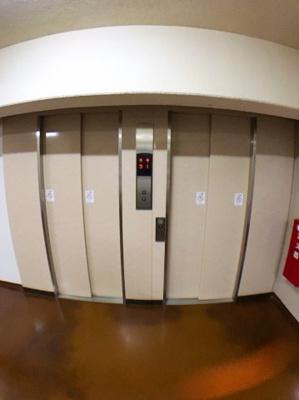 共用部分のエレベーターです♪