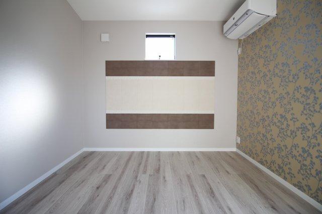 エコカラットは部屋の臭気や湿気も吸ってくれる優れものです♪ (当社施工例)