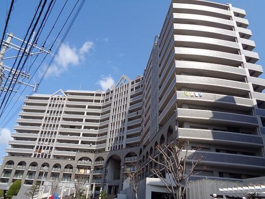 柚須駅まで徒歩11分。博多駅へのアクセス便利です。 3号線まで出ていきやすいく、車での移動も便利です【駐車場空き有】