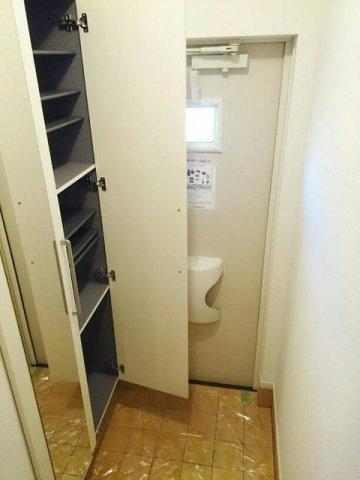 【玄関】レラメールⅢ