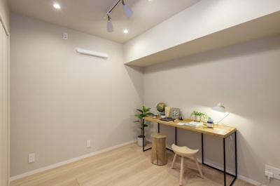 洋室2(約4.5帖)は、テレワークとしてのお部屋にも適しています。