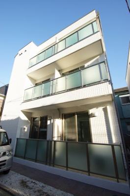 京急本線「雑色」駅より徒歩9分のマンションです