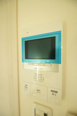 来訪者が確認できて安心の「TVモニターホン」