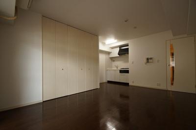 広々としたスタジオタイプのお部屋です。
