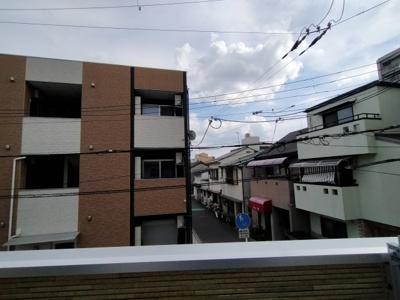 2階バルコニーからの眺望です。 南向きで陽当たり良好ですよ♪