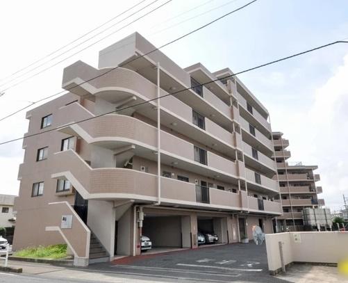 人気の角部屋 ルーフバルコニー付き 5階部分の南東向きにつき陽当り良好 住宅ローン減税適合物件