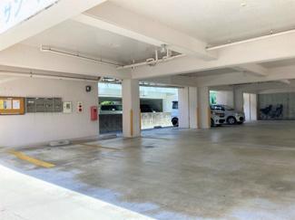 サンマリノ駐車場