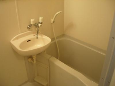 【浴室】レオパレス向台