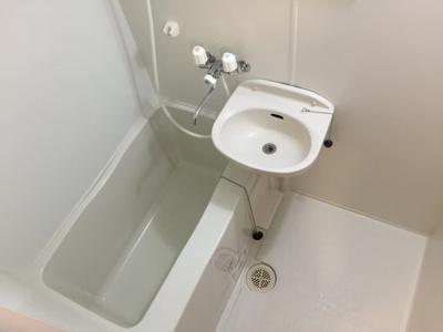 【浴室】レオパレスカーサ新西
