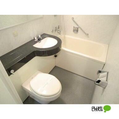 【浴室】レジディア神田岩本町