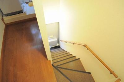 2Fは室内の専用階段になります