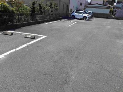 【駐車場】プラドール鈴木