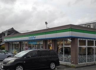 ファミリーマート碧南鶴見町店まで570m