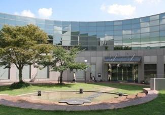 碧南市民図書館まで356m