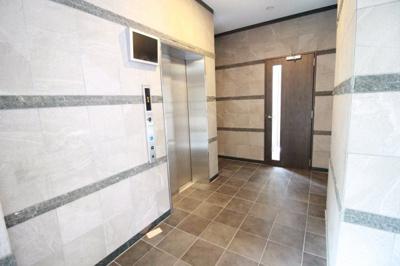エレベーター♪防犯カメラ付きで安心♬