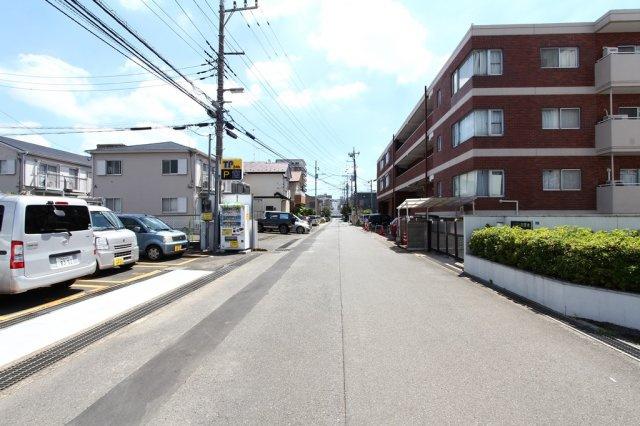 小田急電鉄小田急線「本厚木」駅徒歩10分。通勤通学に便利なロケーション◎暮らしにゆとりがうまれますね。開放感溢れる「タック本厚木」!人気の厚木市エリアでございます。