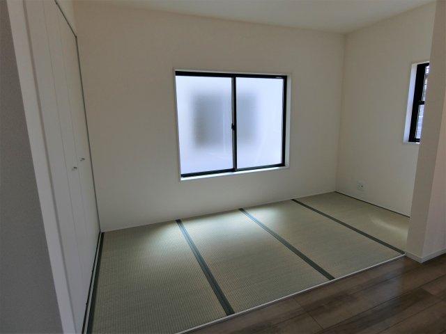 4畳の畳コーナーです。お子様の遊び場やお昼寝、横になって休みたい時など使い道色々。