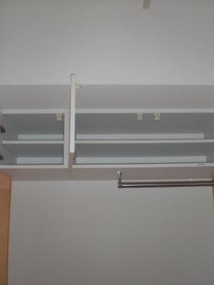 リビングの天井部の収納