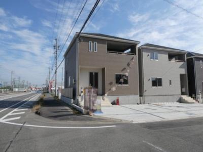 高浜市屋敷町第1新築分譲住宅前面道路です。東側公道約5.1~6.7mの公道に接道