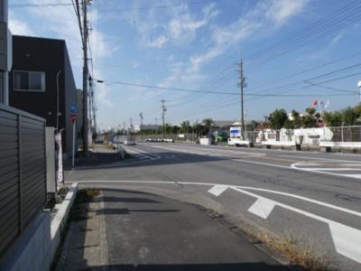高浜市屋敷町第1新築分譲住宅前面道路です。公道約21.49mの公道に接道