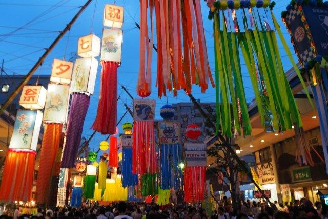 【七夕祭り】毎年夏に開催される七夕祭りは多くの人々が訪れる人気のイベントです!(※今年はコロナの為、開催されていません。)